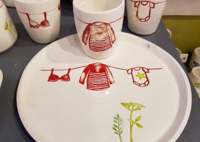 ensemble tasses et assiette